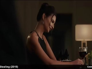 emily ratajkowski topless and sexy lingerie movie scenes