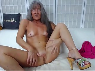 sexy fit gilf with small tits and creamy pussy