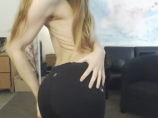 godess missalice flaunts will not hear of ass in yoga pants